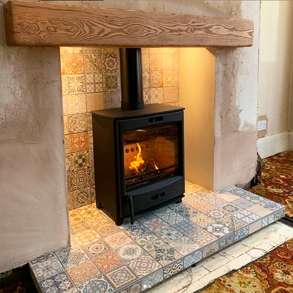 Fireline FQ5W Wood Burning Stove with Tapestry Back & Hearth